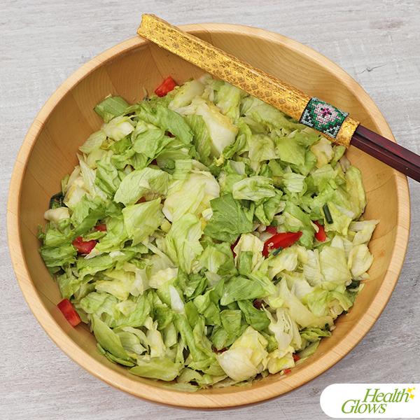 Delicious Iceberg Lettuce Salad